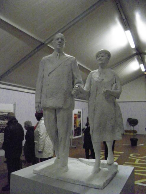 maquette-statue-général-de-gaulle-yvonne-vendroux-calais.jpg