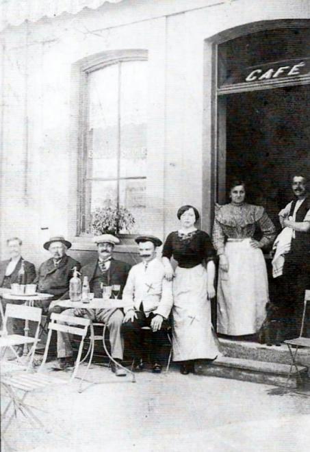 cafe-des-sauveteurs-bld-des-allies-1.jpg