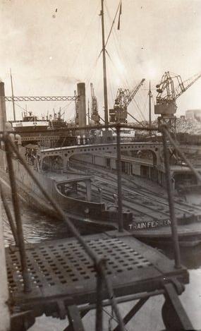 calais-1933-bateau-ferry.jpg