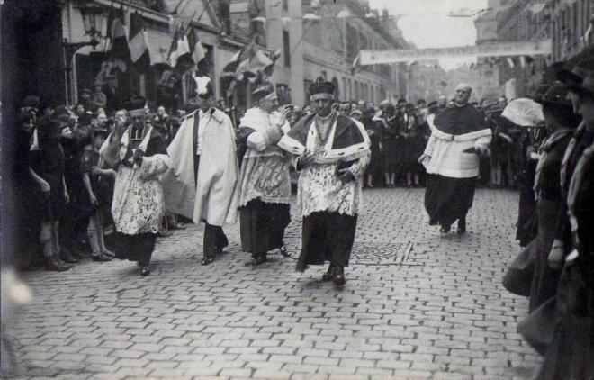 calais-30-mai-1937-procession-du-st-sacrement.jpg