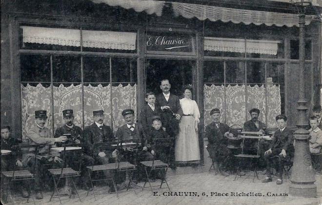 calais-cafe-chauvin-place-richelieu.jpg
