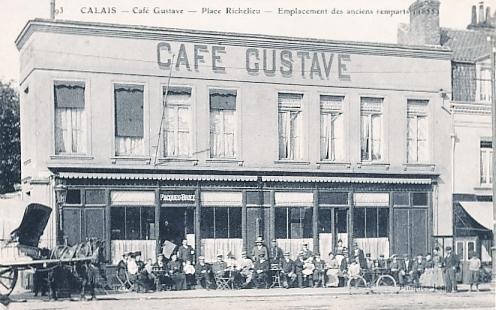 calais-cafe-gustave-place-richelieu.jpg