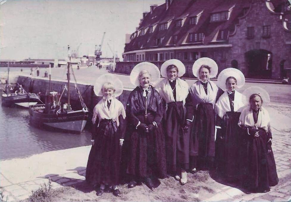 Calais groupes folkloriques calaisiens - Bassin recreatif ancienne lorette calais ...