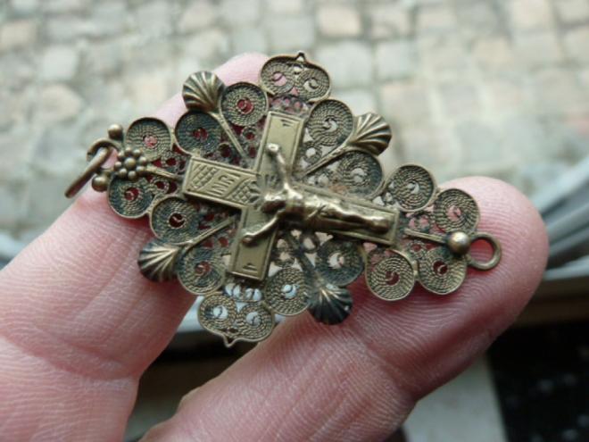 calais-croix-boulonnaise-en-argent-herve-tavernier-calais.jpg