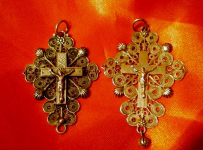 calais-croix-en-or-et-en-argent.jpg