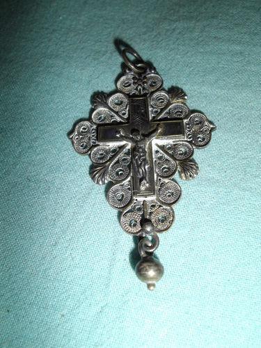 calais-croix-traditionnelle-en-argent.jpg