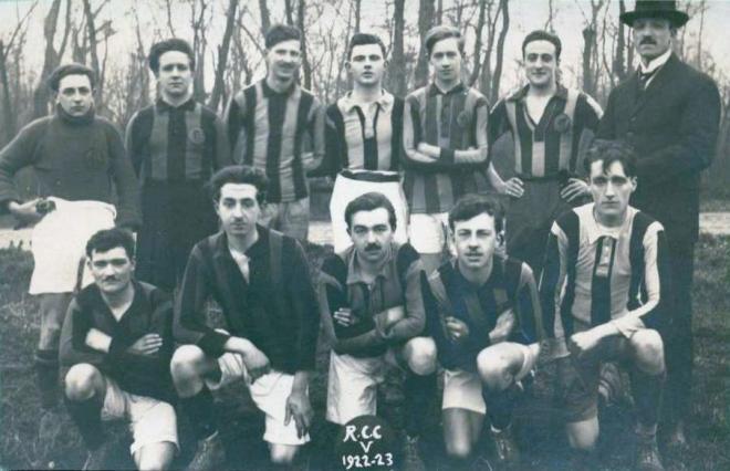 calais-equipe-de-foot-du-rcc-1922-1923.jpg