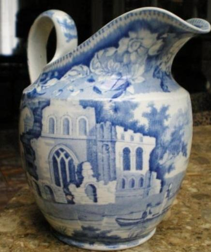 calais-faience-decor-en-cours-d-authentification-chateau-gothique.jpg
