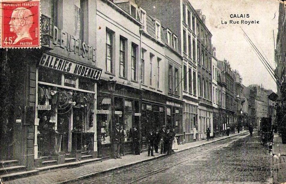 calais-galeries-moderne-rue-royale.jpg