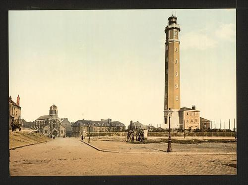 calais-le-phare-photographie-colorisee.jpg