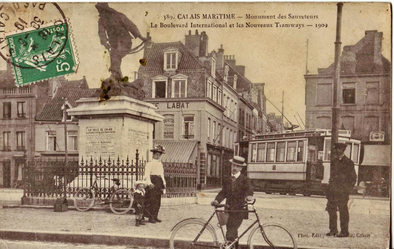 calais-monument-des-sauveteurs.jpg