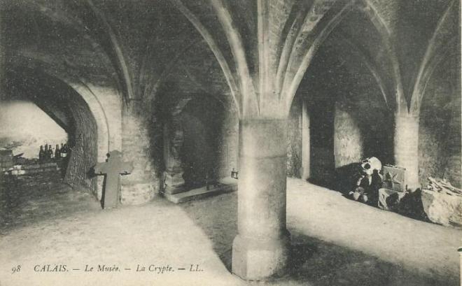 calais-vue-de-la-crypte-de-l-ancien-musee-en-1900.jpg