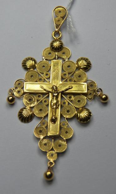 Croix boulonnaise traditionnelle avec grelots