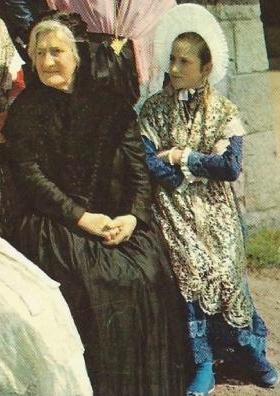 Groupe folklorique bachelite calais